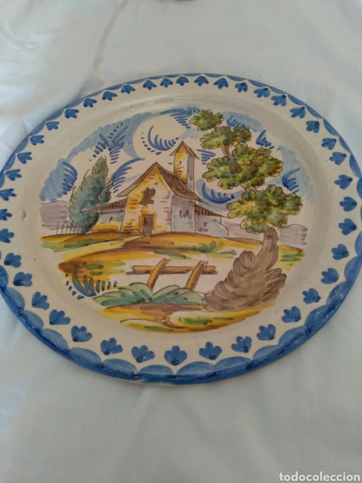 Antigüedades: Plato de colgar cerámica esmaltada - Foto 5 - 258931430