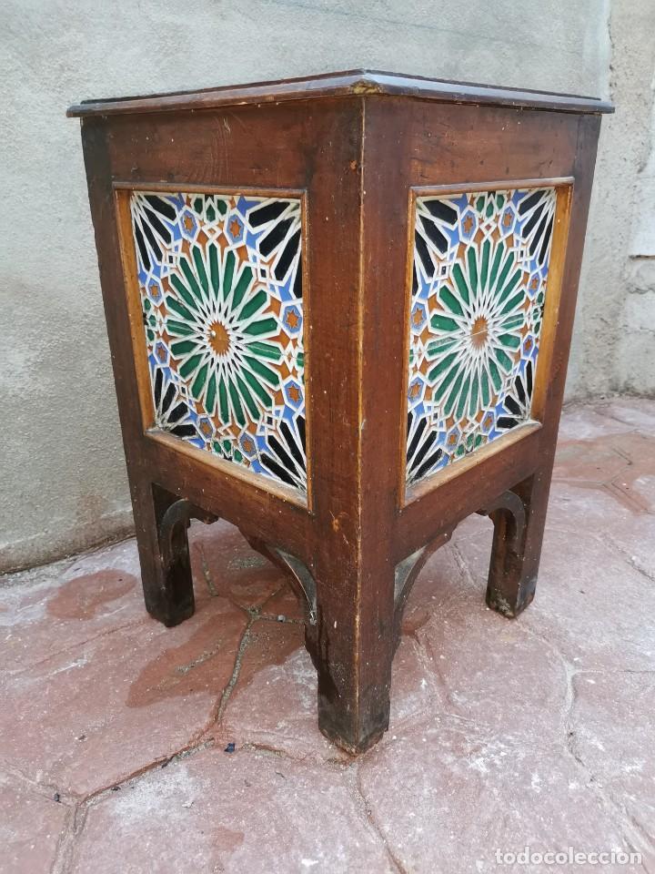 Antigüedades: Mueble macetero de madera y azulejos viuda de J. Mensaque.Sevilla.( 1916-1922) - Foto 2 - 259018620