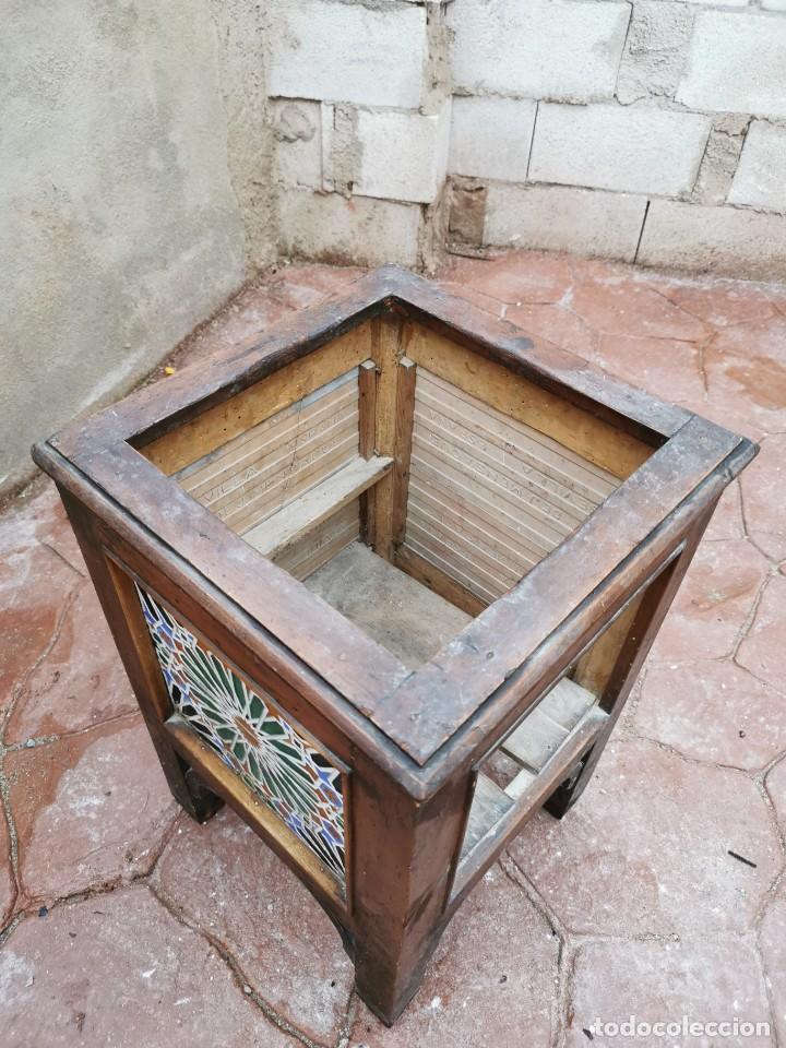 Antigüedades: Mueble macetero de madera y azulejos viuda de J. Mensaque.Sevilla.( 1916-1922) - Foto 15 - 259018620