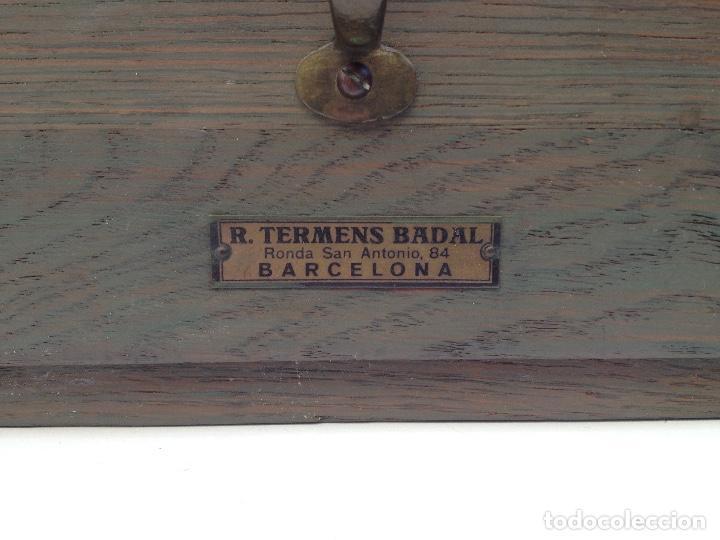 Antigüedades: Antiguo archivador de madera de TERMENS BADAL de Barcelona. Años 30 - Foto 2 - 259037200