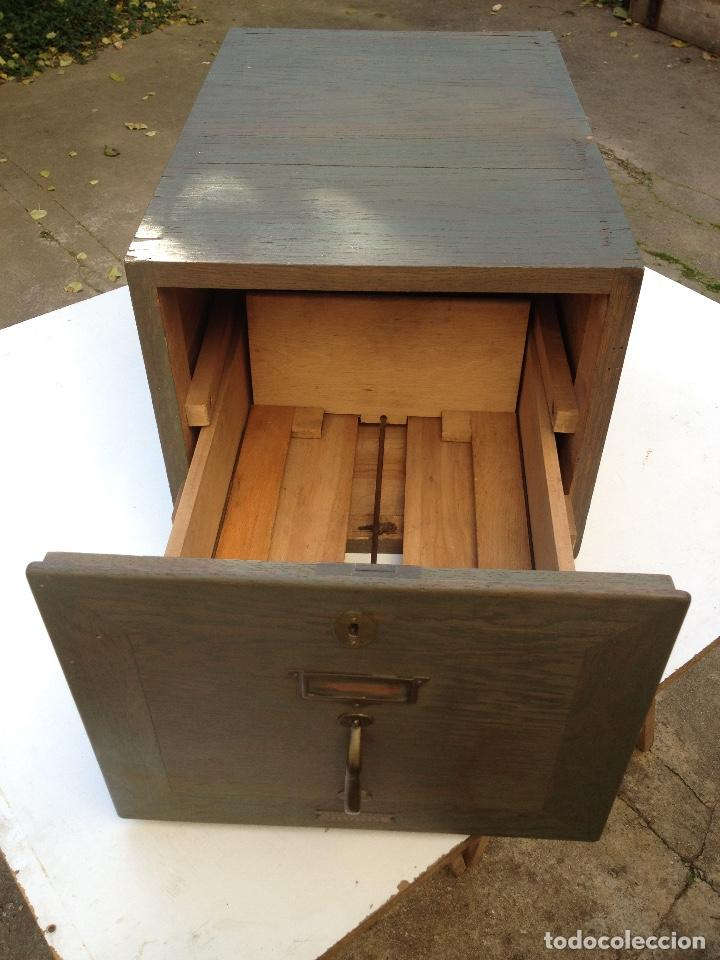 Antigüedades: Antiguo archivador de madera de TERMENS BADAL de Barcelona. Años 30 - Foto 4 - 259037200