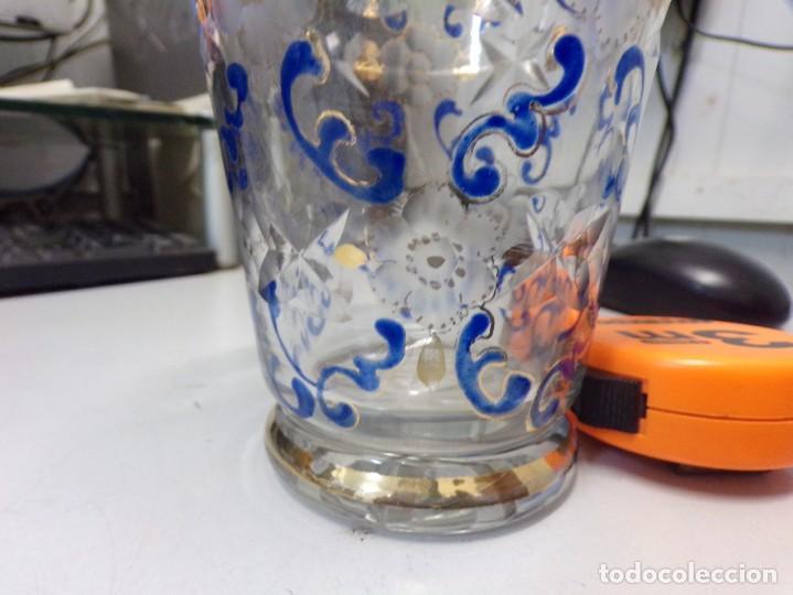 Antigüedades: antiguo jarron centro de mesa cristal tallado pintado decorado a mano tipo cirera - Foto 2 - 259239045