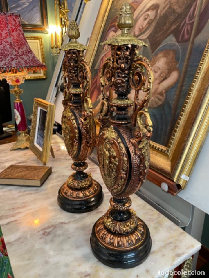 Antigüedades: Preciosa pareja de jarrones antiguos - Foto 2 - 259245115