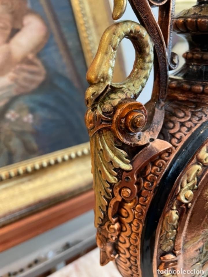 Antigüedades: Preciosa pareja de jarrones antiguos - Foto 5 - 259245115