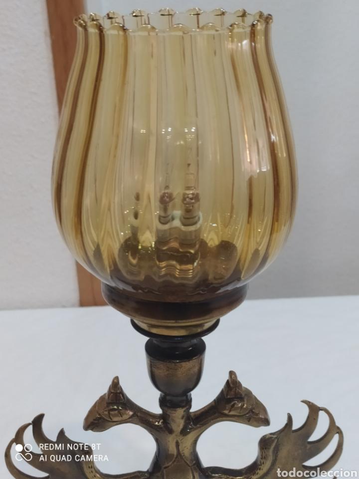 Antigüedades: Impresionante lampara de bronce con águila de dos Cabezas y tulipa ámbar - Foto 7 - 259250715