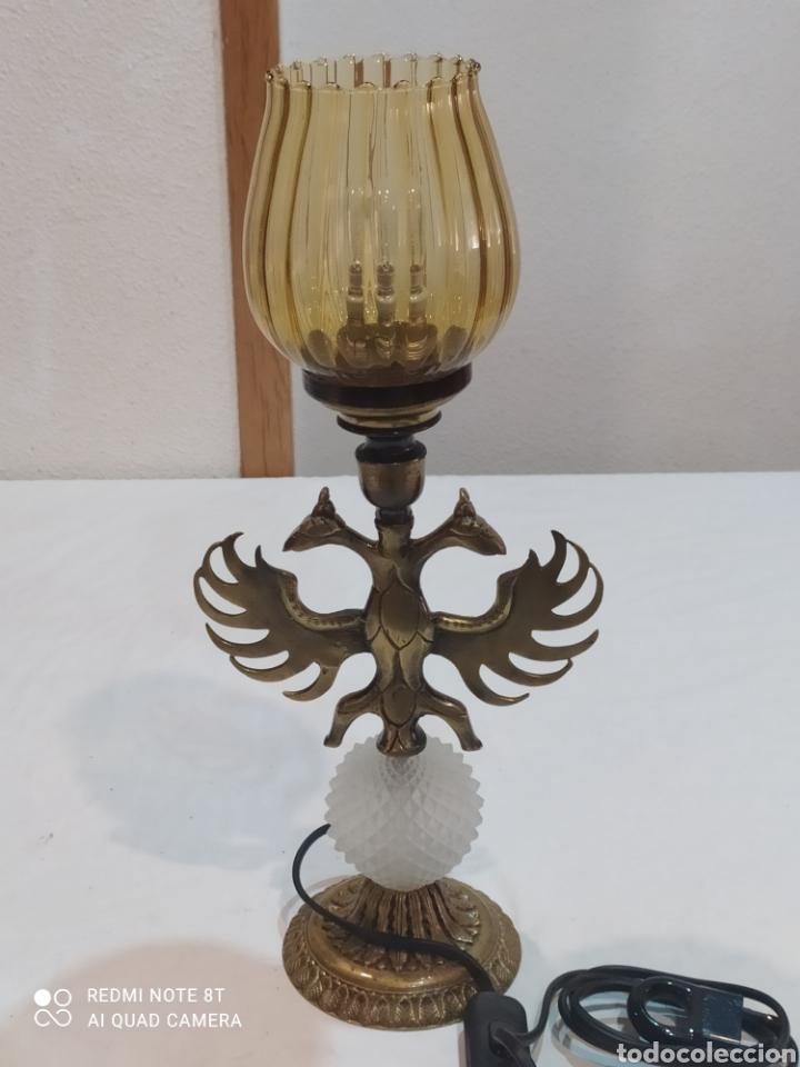 Antigüedades: Impresionante lampara de bronce con águila de dos Cabezas y tulipa ámbar - Foto 10 - 259250715