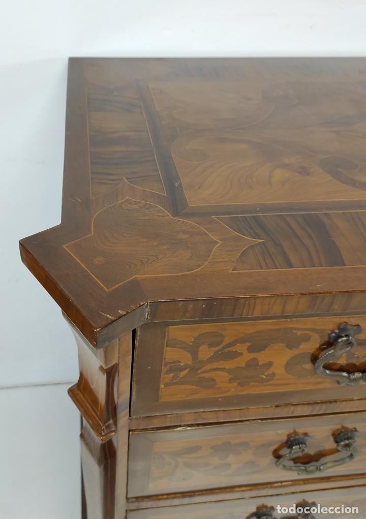 Antigüedades: Antigua Cómoda - Diferentes Maderas - Finísima Marquetería - Tiradores de Bronce - S. XIX - Foto 4 - 259271305