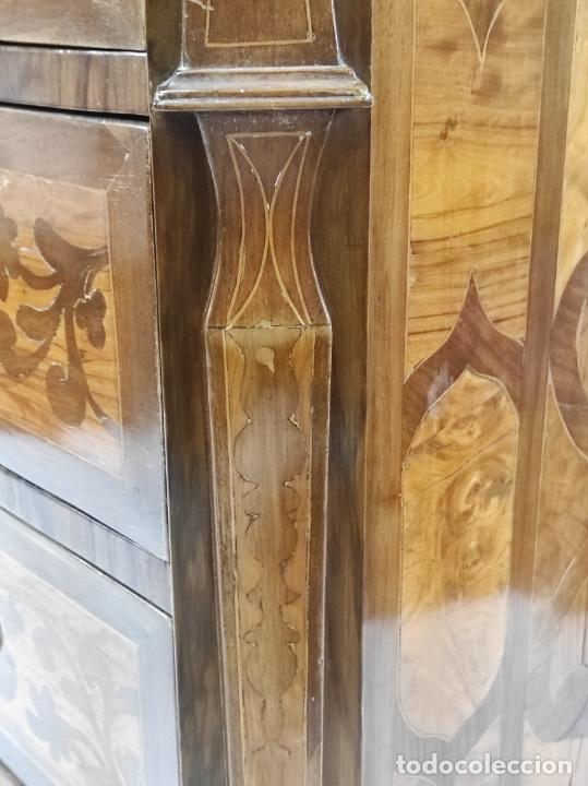 Antigüedades: Antigua Cómoda - Diferentes Maderas - Finísima Marquetería - Tiradores de Bronce - S. XIX - Foto 20 - 259271305