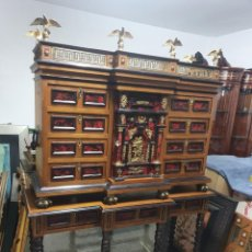 Antigüedades: EXTRAORDINARIO BARGUEÑO DE ESTILO ITALIANO. Lote 259852520