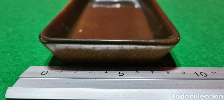 Antigüedades: Bandeja de escritorio con firma en su base. - Foto 9 - 259862195