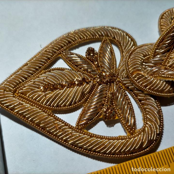 Antigüedades: canutillo y canutillo ingles, piezas bordadas en oro formando un cierre capa pluvial fajin broche - Foto 8 - 259933790
