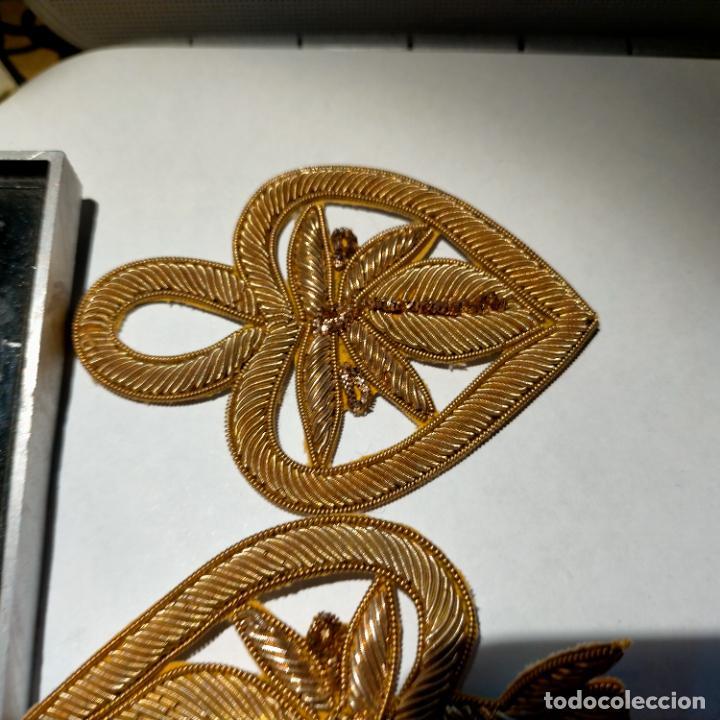 Antigüedades: canutillo y canutillo ingles, piezas bordadas en oro formando un cierre capa pluvial fajin broche - Foto 12 - 259933790