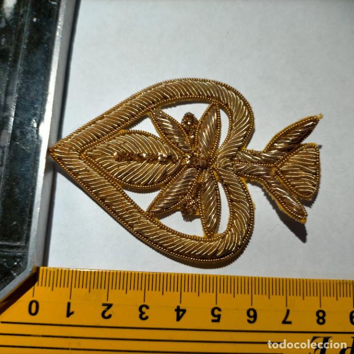 Antigüedades: canutillo y canutillo ingles, piezas bordadas en oro formando un cierre capa pluvial fajin broche - Foto 13 - 259933790