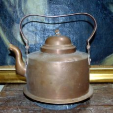 Antigüedades: ANTIGUA TETERA DE COBRE , BUEN ESTADO ALTURA CON ASA 24 CM. Lote 259988505