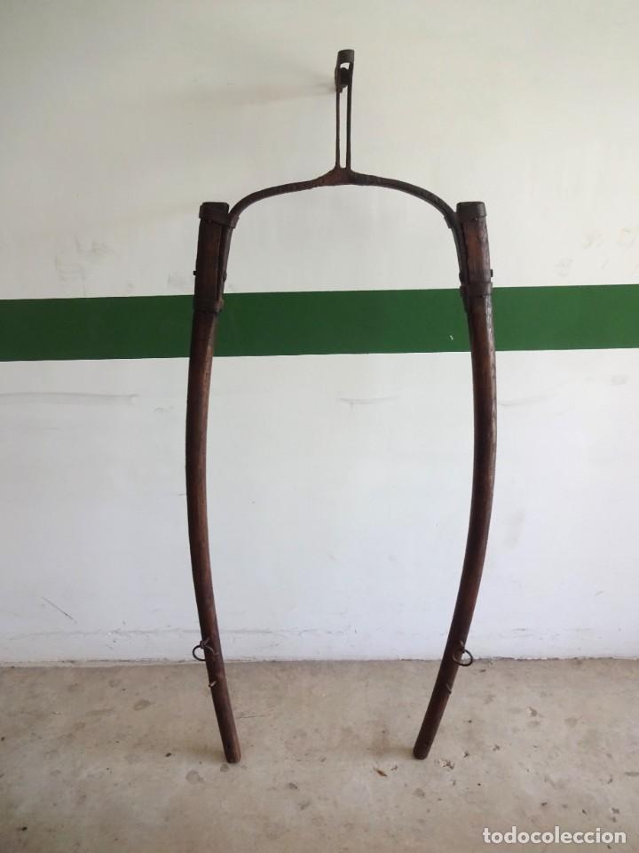 Antigüedades: barras de tiro o tirente de madera de burro para la arada 1,6 metros x 68 cm ganaderia - Foto 9 - 38159933