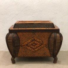 Antigüedades: BAÚL VINTAGE CIRCA 1.960 - 1.980. Lote 260064645