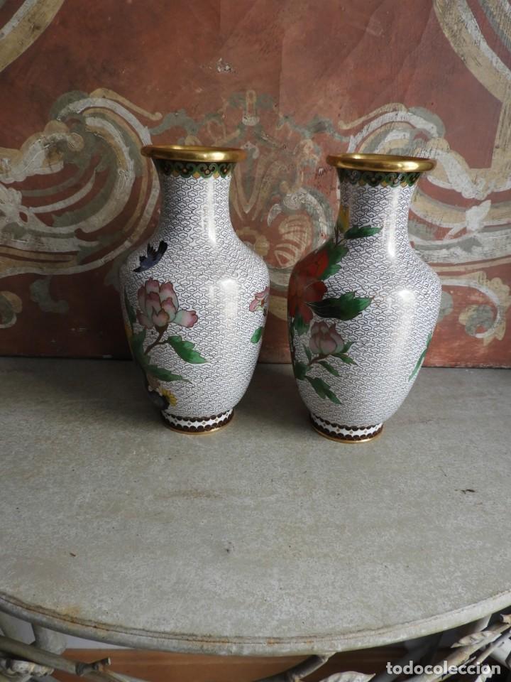 Antigüedades: PAREJA DE TIBORES O JARRONES CLOISONNE DE ESMALTE Y BRONCE - Foto 3 - 260067735
