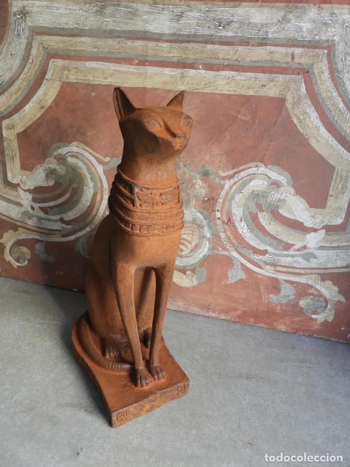 Antigüedades: GATO DE HIERRO EGIPCIO REPRESENTANDO A LA DIOSA BASTET - Foto 2 - 260069995
