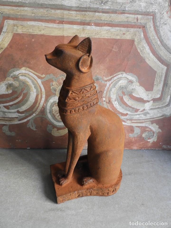 Antigüedades: GATO DE HIERRO EGIPCIO REPRESENTANDO A LA DIOSA BASTET - Foto 5 - 260069995