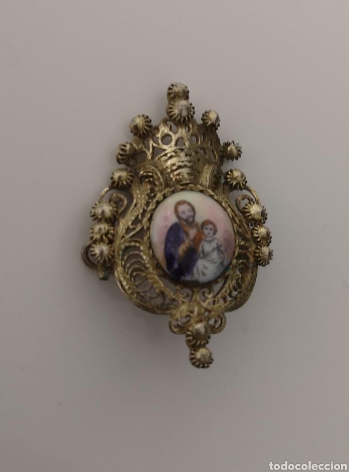 EXCELENTE MEDALLA BROCHE DE PLATA DORADA SAN JOSÉ Y EL NIÑO (Antigüedades - Religiosas - Medallas Antiguas)