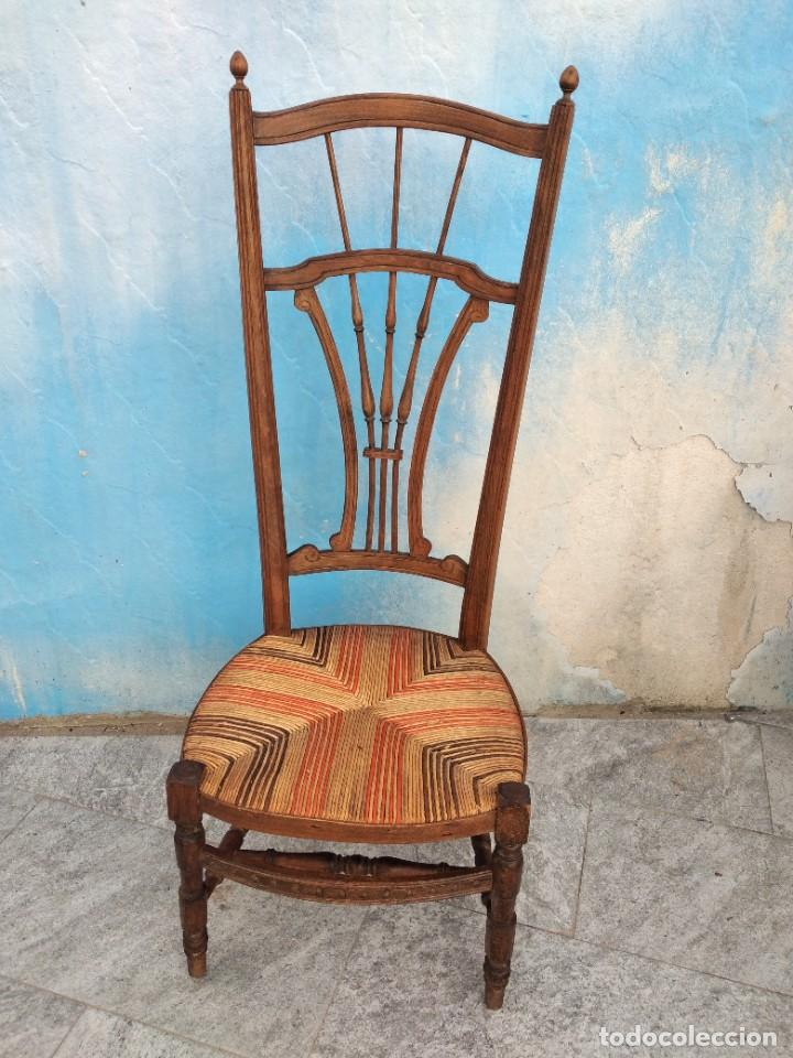 Antigüedades: Antigua silla de madera de roble con asiento de nea en colores. - Foto 2 - 260303865