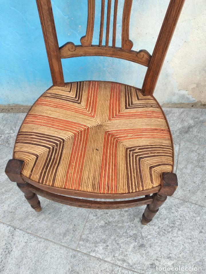 Antigüedades: Antigua silla de madera de roble con asiento de nea en colores. - Foto 5 - 260303865