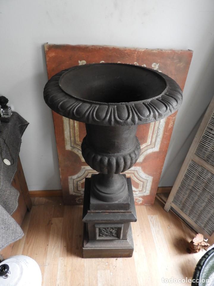 Antigüedades: IMPORTANTE COPA DE HIERRO CON SU PEDESTAL IMPERIO ALTURA 129 CM. - Foto 6 - 260319120