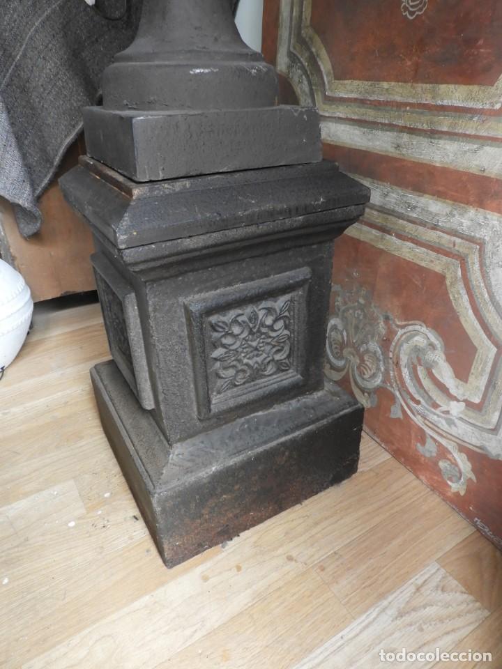 Antigüedades: IMPORTANTE COPA DE HIERRO CON SU PEDESTAL IMPERIO ALTURA 129 CM. - Foto 8 - 260319120