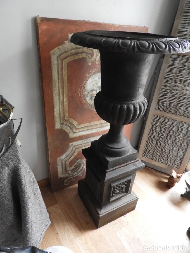 Antigüedades: IMPORTANTE COPA DE HIERRO CON SU PEDESTAL IMPERIO ALTURA 129 CM. - Foto 9 - 260319120