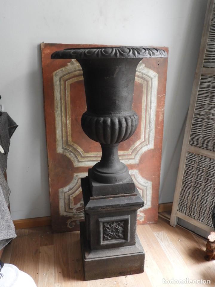 Antigüedades: IMPORTANTE COPA DE HIERRO CON SU PEDESTAL IMPERIO ALTURA 129 CM. - Foto 10 - 260319120