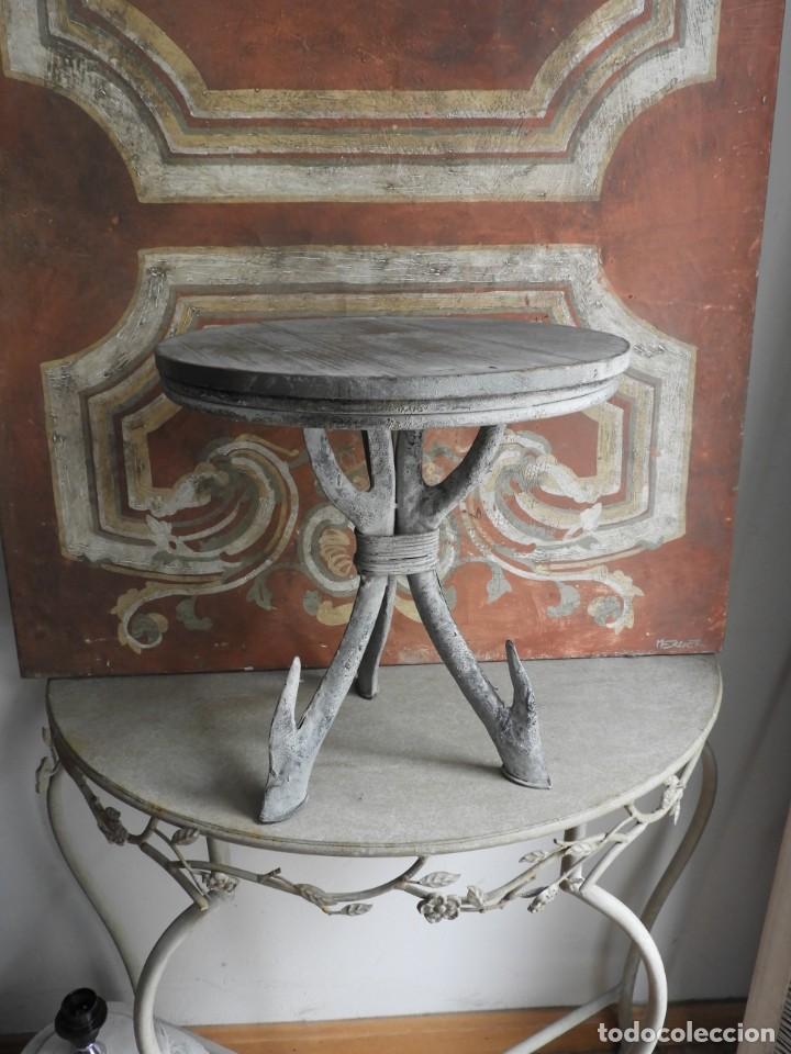 Antigüedades: TABURETE DE MADERA CON PATAS DE METAL - Foto 6 - 260320045