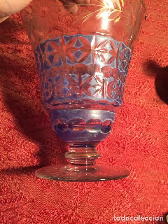 Antigüedades: Antigua florero / jarrón de cristal soplado y tallado a mano de estilo Art Deco años 40-50 - Foto 5 - 260359045