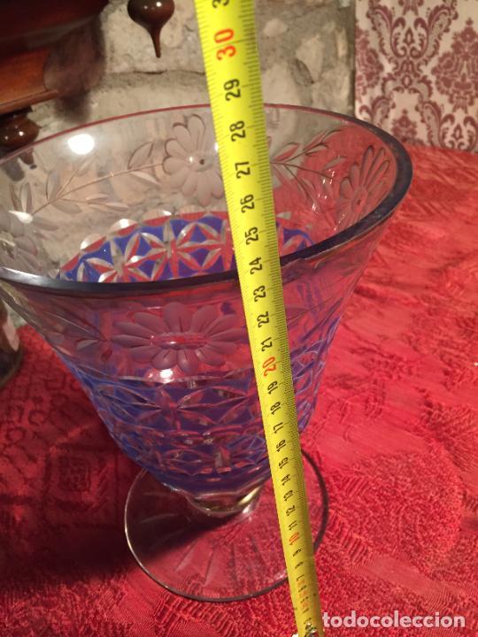 Antigüedades: Antigua florero / jarrón de cristal soplado y tallado a mano de estilo Art Deco años 40-50 - Foto 9 - 260359045