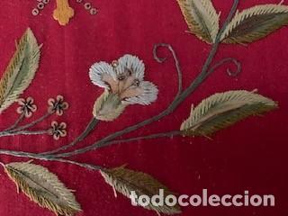 Antigüedades: Excepcional carpeta porta corporales bordada en seda de colores. S. XIX. - Foto 5 - 260359975