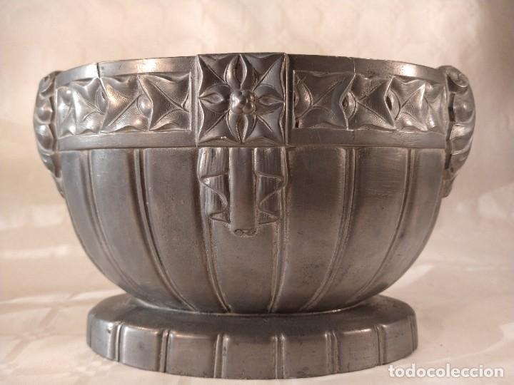 Antigüedades: CENTRO-JARDINERA ART DECÓ EN ESTAÑO. DECORACIÓN GALLONADA. CIRCA 1920. FRANCIA. - Foto 3 - 260506545