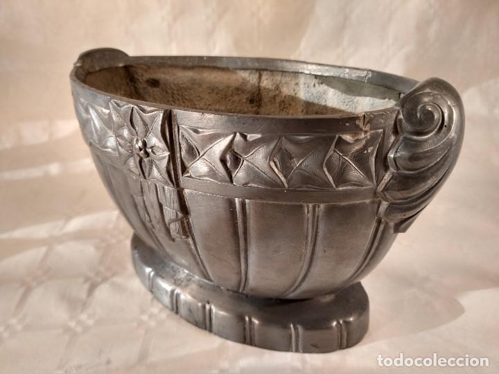 Antigüedades: CENTRO-JARDINERA ART DECÓ EN ESTAÑO. DECORACIÓN GALLONADA. CIRCA 1920. FRANCIA. - Foto 4 - 260506545