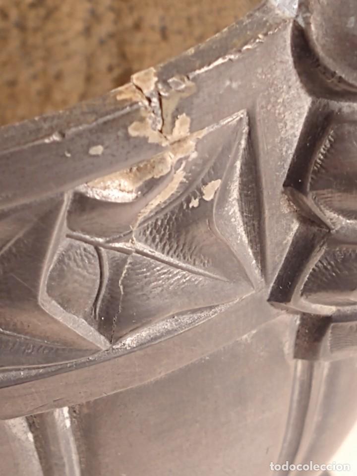 Antigüedades: CENTRO-JARDINERA ART DECÓ EN ESTAÑO. DECORACIÓN GALLONADA. CIRCA 1920. FRANCIA. - Foto 7 - 260506545
