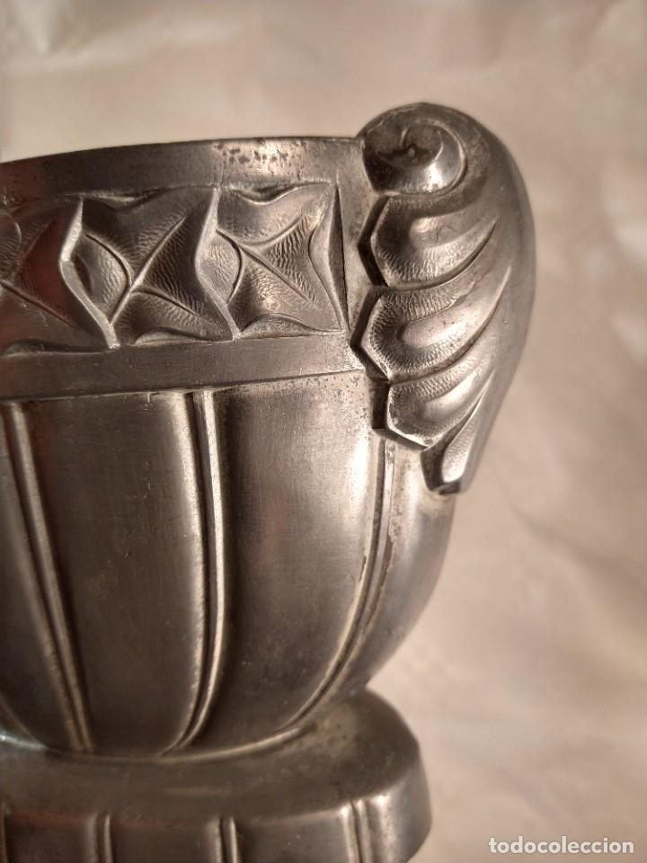 Antigüedades: CENTRO-JARDINERA ART DECÓ EN ESTAÑO. DECORACIÓN GALLONADA. CIRCA 1920. FRANCIA. - Foto 13 - 260506545