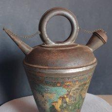 Antigüedades: CANTARO BOTIJO CATALÁN DE HOJALATA MONASTERIO MONTSERRAT AÑOS 20. Lote 260552755