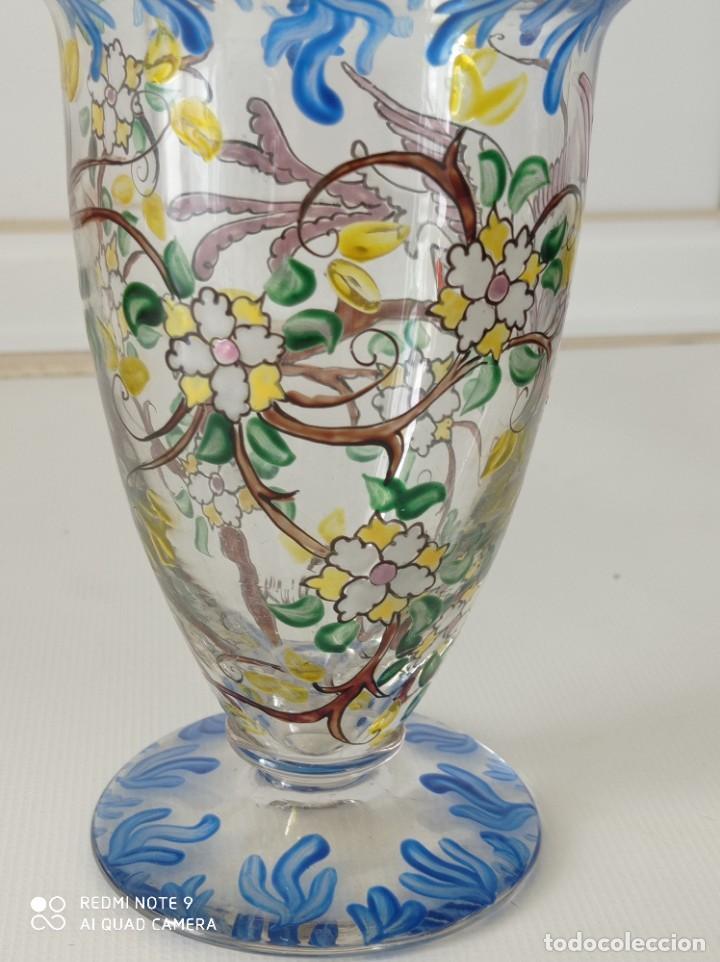 Antigüedades: Antigua copa de cristal soplado catalán firmada por E.Rieras pintada a mano en esmaltes - Foto 4 - 260574910