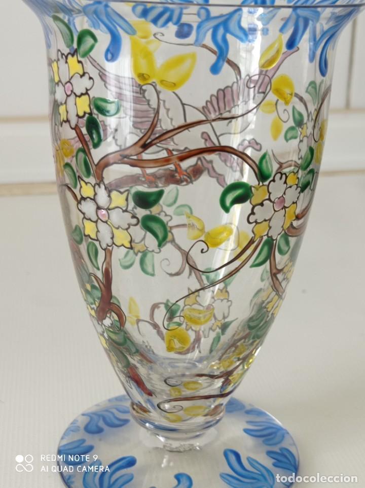 Antigüedades: Antigua copa de cristal soplado catalán firmada por E.Rieras pintada a mano en esmaltes - Foto 5 - 260574910