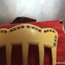 Antiguidades: ANTIGUA PEINETA ART-DECO ,BAQUELITA SIMIL MARFIL CON INCRUSTACIONES DE AZABACHE. Lote 260634755