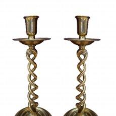 Antigüedades: MARAVILLOSOS CANDELABROS DE BRONCE , MUY RAROS DE ENCONTRAR.MEDIDAS :36 X 14 X14. Lote 260634855