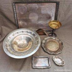Antigüedades: ⚜️ A2031. LOTE MIXTO DE BANDEJAS Y ENSERES EN METAL BLANCO Y/O ALPACA. CASI 2KG. Lote 260654475