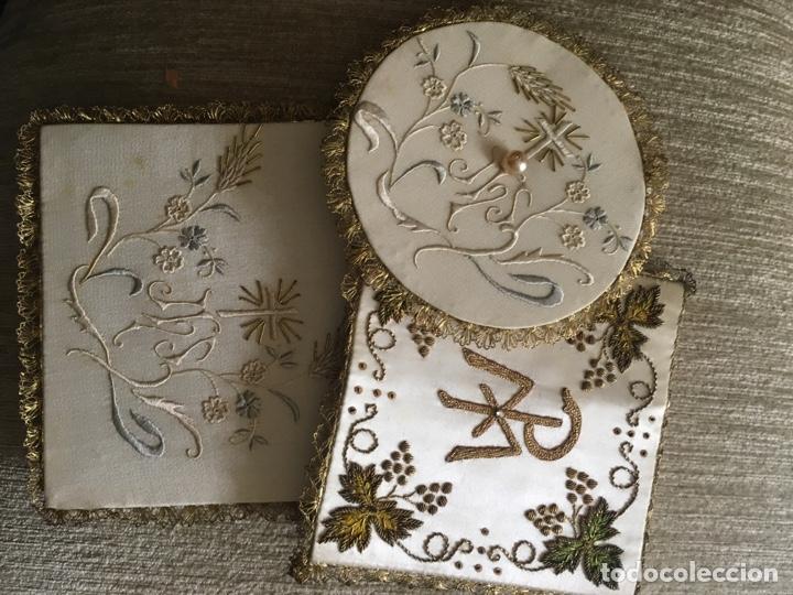 Antigüedades: Caja y bordados religiosos antiguos - Foto 3 - 260688300