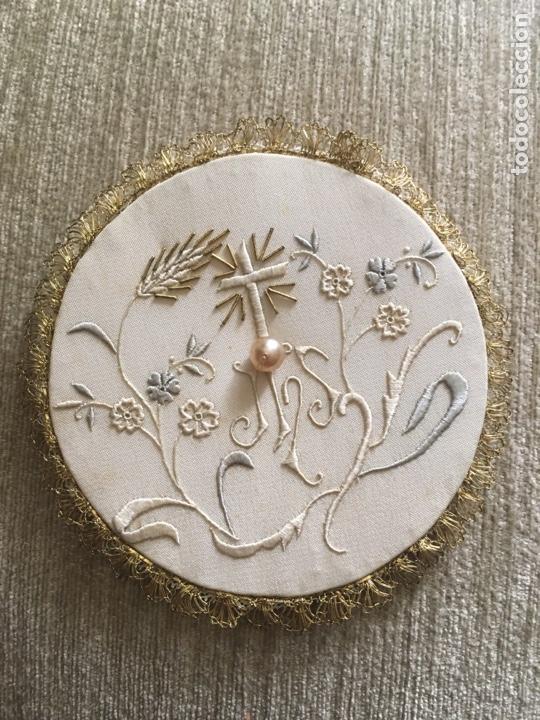 Antigüedades: Caja y bordados religiosos antiguos - Foto 4 - 260688300