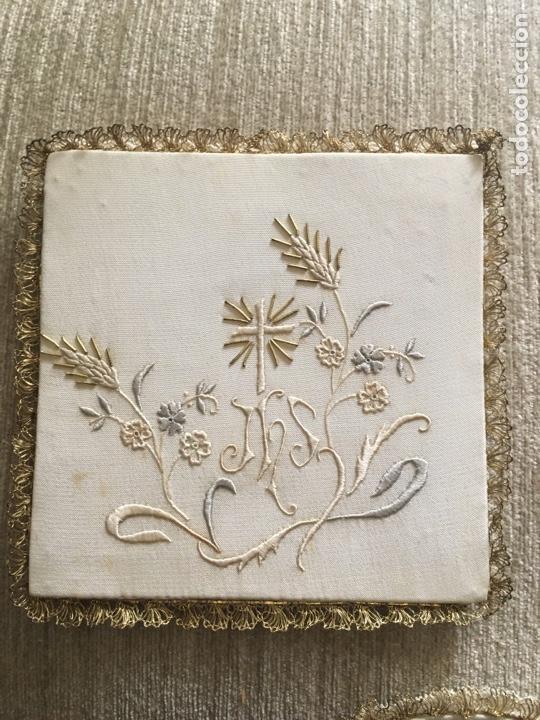 Antigüedades: Caja y bordados religiosos antiguos - Foto 5 - 260688300