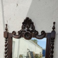 Antigüedades: ESPEJO ANTIGUO CON COLUMNA SALAMONICA. Lote 260706010