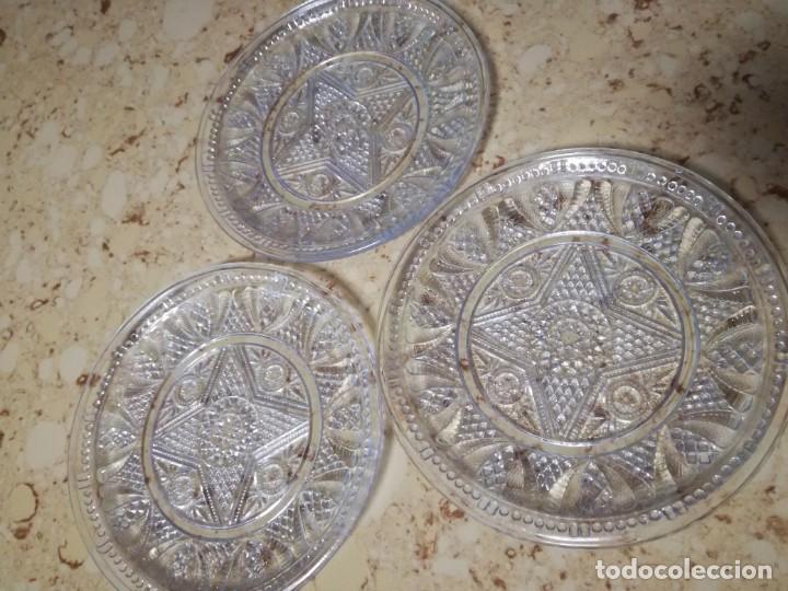 4 PLATOS DE CRISTAL PRENSADO. (Antigüedades - Cristal y Vidrio - Santa Lucía de Cartagena)