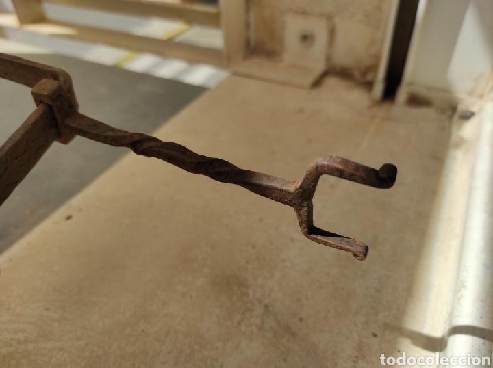 Antigüedades: Antiguo Trebede de Hierro Forjado - Foto 10 - 260770120